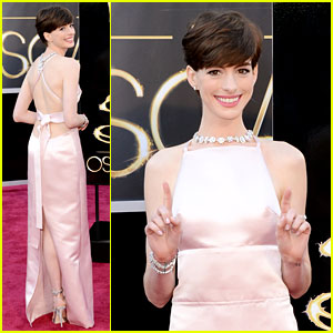 anne-hathaway-oscars-2013-red-carpet