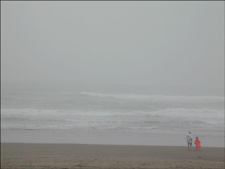 sf-beach-in-rain-2