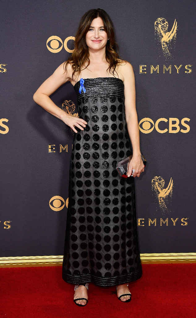 rs_634x1024-170917163201-634-kathryn-hahn-2017-Emmys-mh-091717