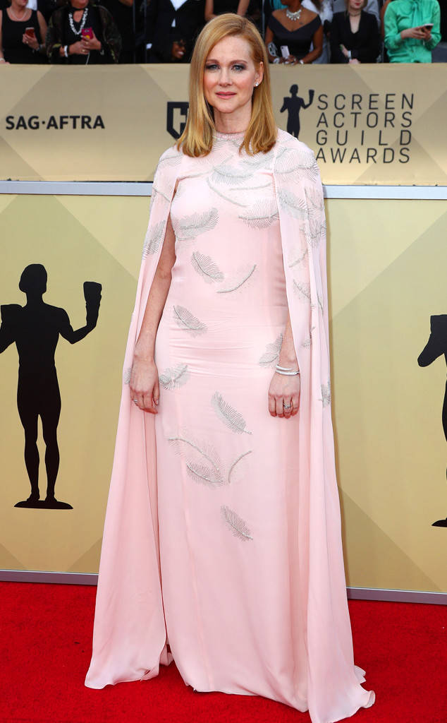 rs_634x1024-180121153308-634-red-carpet-fashion-2018-SAG-awards-laura-linney