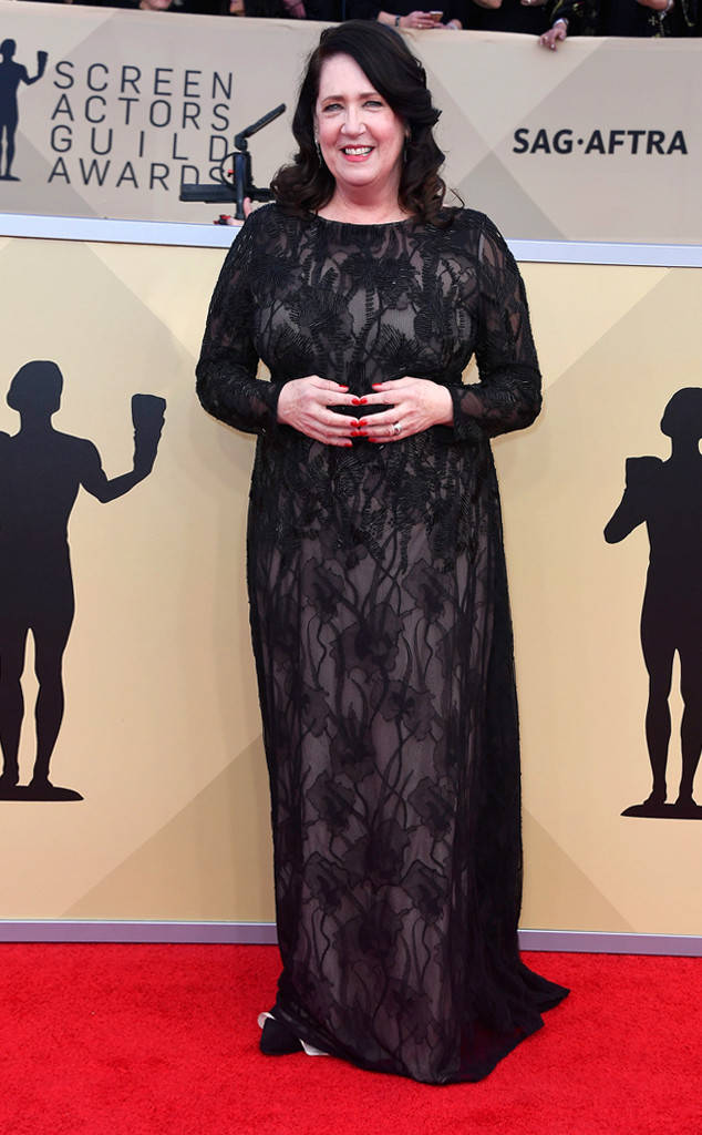 rs_634x1024-180121155731-634-red-carpet-fashion-2018-SAG-awards-ann-dowd-1