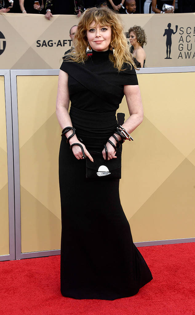 rs_634x1024-180121161947-634-natasha-lyonne-red-carpet-fashion-2018-SAG-awards