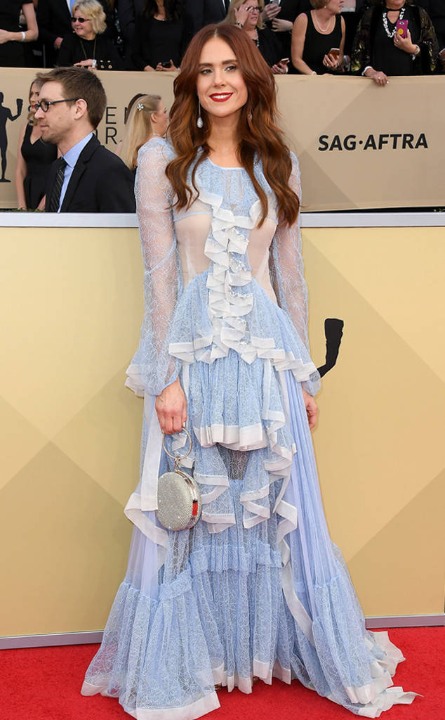 rs_634x1024-180121162415-634-red-carpet-fashion-2018-SAG-awards-kate-nash