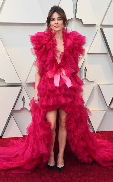 rs_634x1024-190224151505-634-2019-oscar-academy-awards-red-carpet-fashions-Linda-Cardellini.cm.22419
