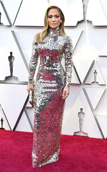 rs_634x1024-190224163151-634-2019-oscar-academy-awards-red-carpet-fashions-jennifer-lopez